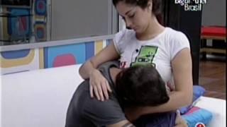 getlinkyoutube.com-Fran e Max - Noite de 3-4-2009 - Fran acorda Max e Max beija o buchinho da Fran