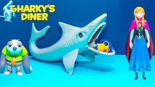 SHARKY DINER Game Disney Zootopia and Disney Anna Frozen Video Toy Unboxing