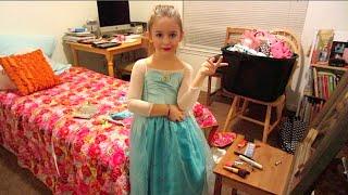 getlinkyoutube.com-Kids Disney Frozen Makeup Tutorial Inspired by Queen Elsa