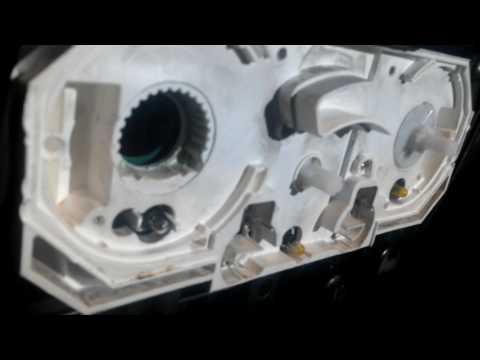 Как снять пепельницу и заменить подсветку печки кондиционера кнопок консоли дорестайл Сузуки Лиана