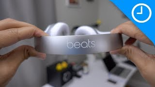 getlinkyoutube.com-Beats Solo3 unboxing + hands-on with W1 chip pairing process