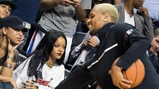 getlinkyoutube.com-Awkward Chris Brown and Rihanna Reunion