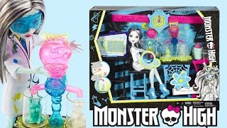 getlinkyoutube.com-Skulltimate Science Class Set Monster High Review
