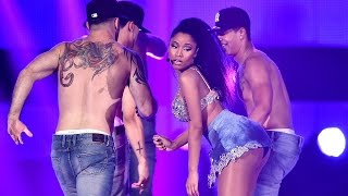 "getlinkyoutube.com-CBS Cuts Nicki Minaj's Sexy ""Anaconda"" Performance"