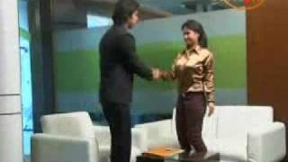 getlinkyoutube.com-Body Language Basics(Hindi): Personality Development Tips from Mr Paresh Srivastav, Vwin