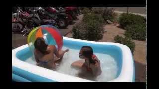 getlinkyoutube.com-Fun in the Pool