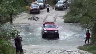 getlinkyoutube.com-River Crossing Pos Kemar 2013 4x4 ( MORExtreme )