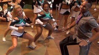 getlinkyoutube.com-Cheer Extreme Senior Elite PreWorlds Getting Loose doing the YAE DANCE at 2:00 mark