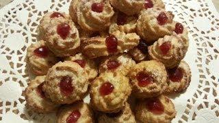 I biscotti con pasta di mandorle