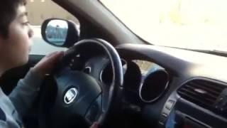 getlinkyoutube.com-efe ilk kez araba kullanıyor...