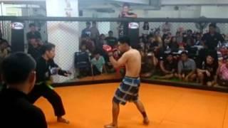 getlinkyoutube.com-MMA War in the cage 4 silat vs muaythai