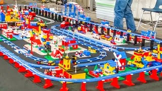 getlinkyoutube.com-Wonderful LEGO train setup! Old school vintage classic trains!