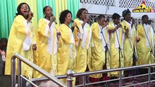 """getlinkyoutube.com-Waumini wa Moto wafanya makubwa katika kipindi cha sifa Mlima wa Moto Mikocheni """"B"""" Jpili 12 02 2017"""