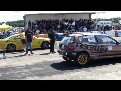 Honda Civic Turbo vs Nissan Skyline at totb 2012