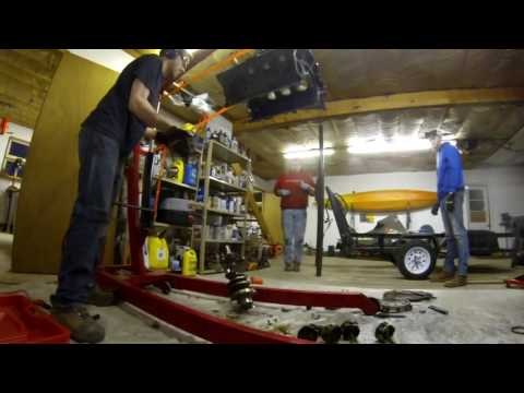 How to Remove a Crankshaft from a Ford