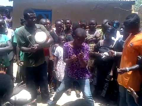 A girl from Zuarengu,Upper East Region doing the porni dance