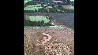 getlinkyoutube.com-Nuevo círculo en campo de cosecha en Inglaterra.