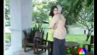 getlinkyoutube.com-Chompoo: Dao Puean Din ดาวเปื้อนดิน News 08