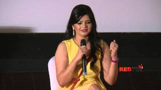 getlinkyoutube.com-Only glamour alone get me a opportunity in movie - Preethi das new item girl for tamil cinema