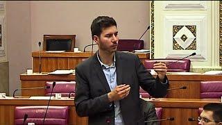 "getlinkyoutube.com-Pernar: ""Ćaća se vraća?!"""