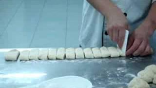 麵飽製作初班- 4 扭紋杏仁條做型