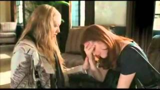 Amanda Seyfried and Julianne Moore Make Out Scene from Chloe, with Old Man
