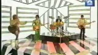 getlinkyoutube.com-Kenny Everett as Rod Stewart.mpg