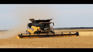 getlinkyoutube.com-XXL HARVEST 2015 NEW HOLLAND CR  10 90 & 9090