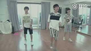 getlinkyoutube.com-[REUP] 150810 Sủng ái 宠爱 _ TFBOYS @ Dance Practice