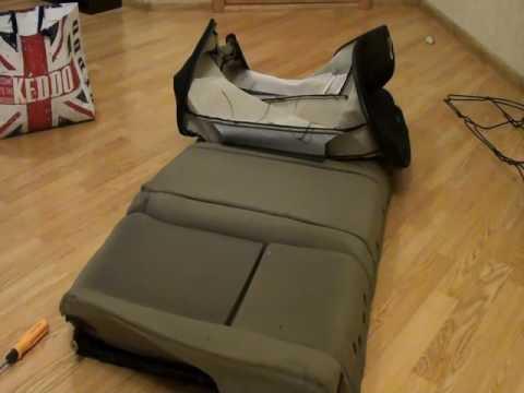 Снятие обшивки заднего сиденья VW Golf 4  Removing the rear seat cover VW Golf 4