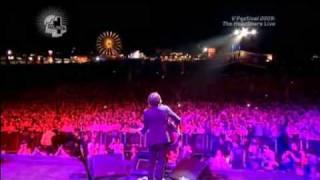 getlinkyoutube.com-Snow Patrol - Wonderwall + Champagne Supernova (@ V Festival 2009-08-23)