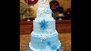 getlinkyoutube.com-Frozen Themed Stacked Cake with Crown- Cake Decorating