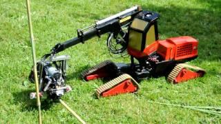 getlinkyoutube.com-Valmet Harvester Modellbau 1:14