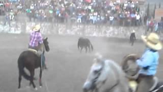 getlinkyoutube.com-Toros matacaballos en san isidro 2015 con 2 caballos corneados