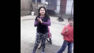 getlinkyoutube.com-Mi primo bailando con mi prima melany
