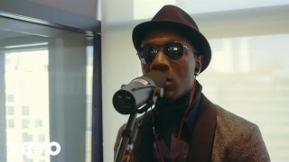 Aloe Blacc – Wake Me Up (Live)