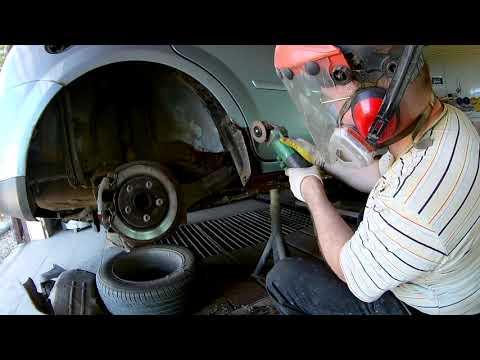 Форд Фокус 2 Замена порогов, реставрация арок Часть первая ЗАЧИСТКА