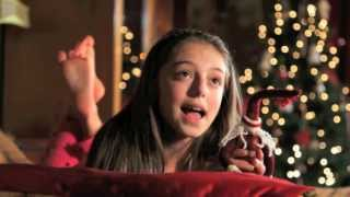 Hollie Steel - When Christmas Comes To Town (Official Music Video)
