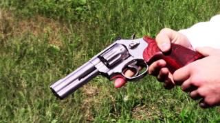getlinkyoutube.com-Smith and Wesson Model 617-6