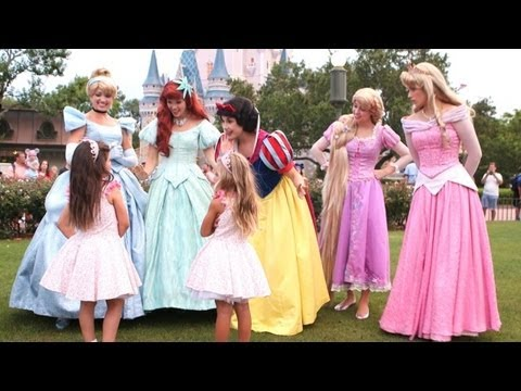 Exclusive! Sophia Grace & Rosie Meet the Disney Princesses