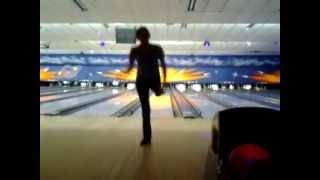 getlinkyoutube.com-One legged bowling