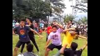 getlinkyoutube.com-kuda lumping kesurupan massal di lapangan kedung banteng kampanye caleg hanura