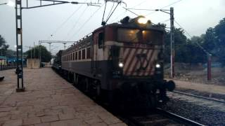 getlinkyoutube.com-Must Wach Indian Army Super Fast Express 120/h