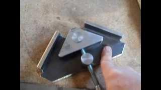 getlinkyoutube.com-Струбцина угловая мебельная