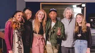 getlinkyoutube.com-Pharrell Williams Masterclass with Students at NYU Clive Davis Institute