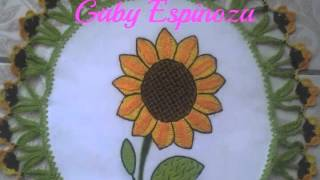 getlinkyoutube.com-Bordado Fantasia-Proyecto XIX-Princesas-Girasoles-Lily Ocampo y Lupita Acero Bordados Mexicanos