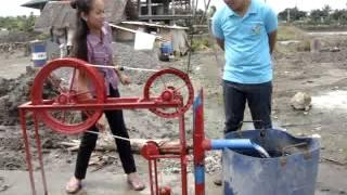 getlinkyoutube.com-Rope pump