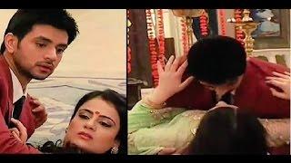 getlinkyoutube.com-Meri Aashiqui Tum Se Hi :Ishani & Ranveer hot and romantic scene