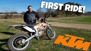 getlinkyoutube.com-FIRST RIDE ON 2017 KTM FREE RIDE!
