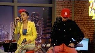 getlinkyoutube.com-25Band Interview ( Chand Shanbe Ba Sina ) And Live Perform 2013 FARSI1 TV